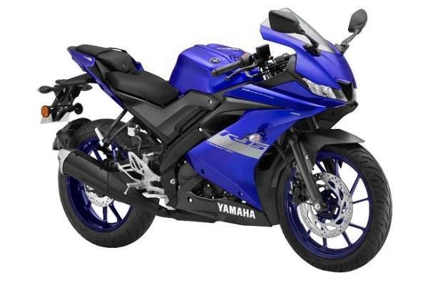 डीलरशिप पर पहुंचना शुरू हुई Yamaha R15 BS-6, देखें तस्वीरें