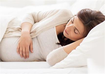 अच्छी नींद चाहिए तो प्रेगनेंसी के दौरान फॉलो करें ये टिप्स