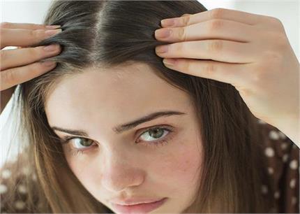 सफेद बालों से जुड़े ये 6 भ्रम, जिन्हें आप भी मानती है सच?