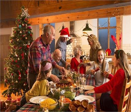 बाहर नहीं जा सकते तो घर पर यूं सेलिब्रेट करें क्रिसमस