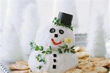 बच्चों के लिए बनाएं मजेदार Snowman Cheese Ball