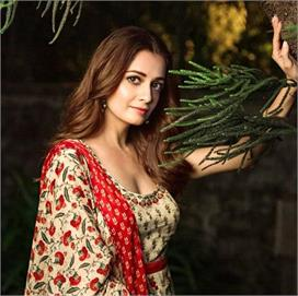 Beauty Secrets: दीया की 'फ्लालेस ब्यूटी' का राज है ये 8...