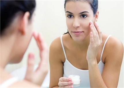 Beauty Tips: क्या सचमुच गोरापन कम करती है कोल्ड क्रीम?