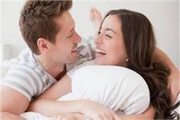 हर लड़की अपने पार्टनर से सुनना चाहती है ये 7 रोमांटिक बातें