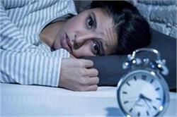 7 गलत आहार, जो आपकी रात की नींद कर देते हैं खराब