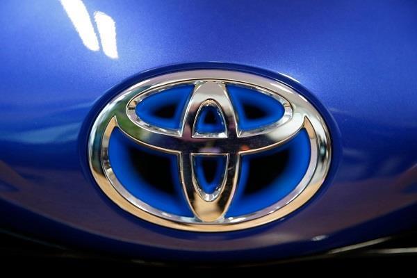 Toyota की कारों में सामने आई गड़बड़ी, कंपनी ने वापस मंगवाए 1.7 मिलियन यूनिट