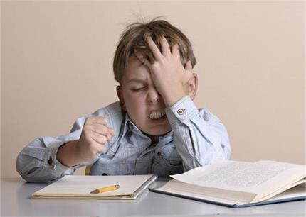 तनाव की निशानी हैं बच्चे के व्यवहार में आए ये 6 बदलाव