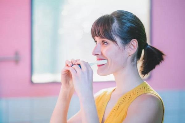 CES 2019: पेश हुआ महज 10 सेकंड में दांतों की सफाई करने वाला इलेक्ट्रॉनिक टूथब्रश
