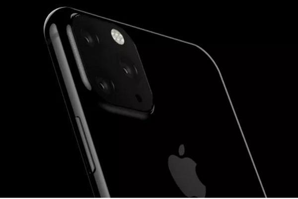 iPhone XI की तस्वीर लीक, ट्रिपल रियर कैमरे की तरफ इशारा