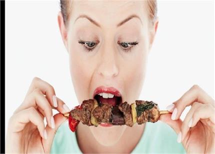 वेज नहीं, नॉनवेज खाने वाली महिलाएं ज्यादा हेल्दी: स्टडी