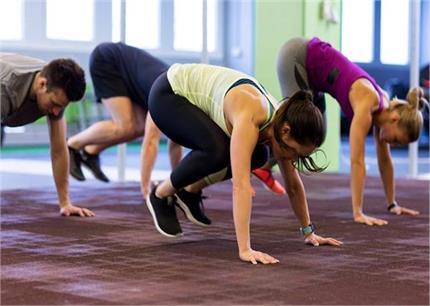 वेटलॉस टिप्सः घर पर स्टेप-बाए-स्टेप करें Burpee Exercise