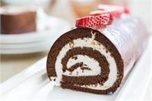 चॉकलेट स्विस रोल से बनाएं चॉकलेट डे को स्पेशल