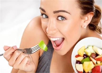 गलत समय पर खाया सेब भी देगा नुकसान, जानें कब खाएं कौन सी चीज