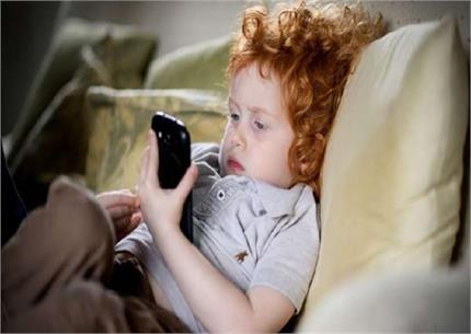 ALERT: स्मार्टफोन के इस्तेमाल से आपके बच्चे को घेर सकती है ये...