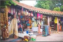 शॉपिंग के लिए बेस्ट है दिल्ली का Hot Market