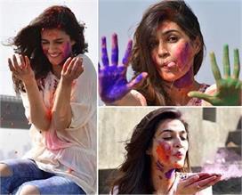 Happy Holi: रंगों के साइड-इफैक्ट्स से है बचना तो चेहरे पर...