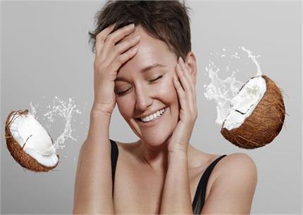 7 Beauty Tips: नारियल पानी से दूर करें भद्दे दाग और झाइयां, यूं करें...