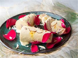 Holi Special: मेहमानों को खिलाएं ठंडी-ठंडी बादाम-गुलकंद...