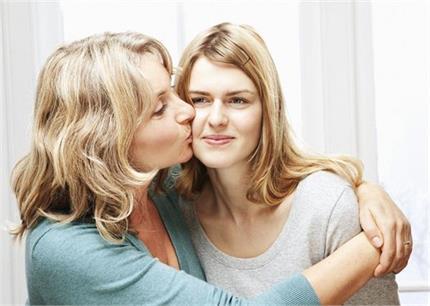 Relationship: ये 6 सास अपनी बहू को देती हैं बेटी जैसा प्यार