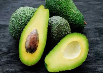 सेहत और ब्यूटी के लिए वरदान है Avacado, जानिए खाने से लेकर लगाने तक...