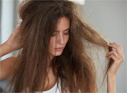 रुखे-उलझे बालों से हैं परेशान तो अपनाएं ये 6 घरेलू नुस्खे