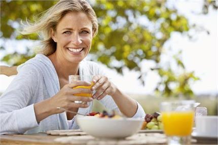 Women's Spl: महिला के लिए 10 जरूरी न्यूट्रीशस, बीमारियां रहेंगी कोसों...
