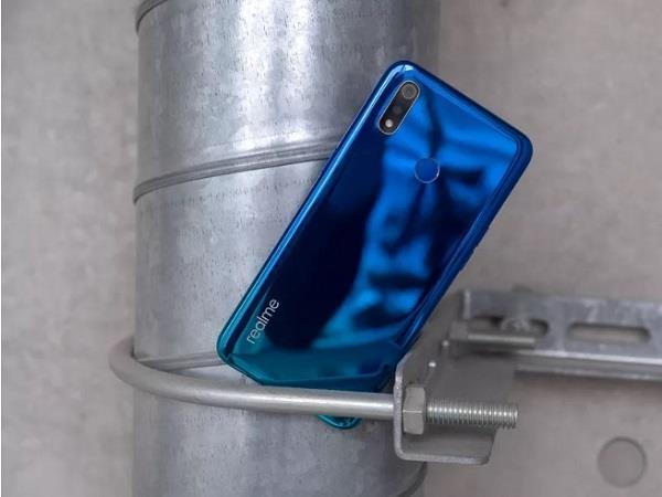 4,230mAh बैटरी के साथ Realme 3 लांच, शुरुआती कीमत 8,999 रुपए