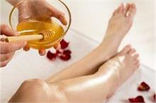 Beauty: शाइनी स्किन के लिए करें होममेड Oil Wax, घर पर आसानी...