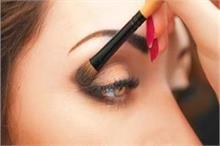 कॉंटेक्ट लेंस लगाती हैं तो Makeup करते समय ध्यान रखें10...