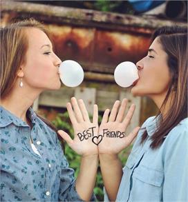 राशि से जानें किससे निभाएं दोस्ती और किससे बनाएं दूरी!