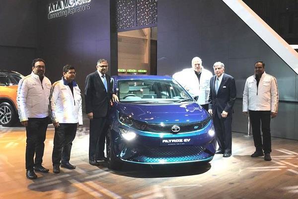 Geneva Motor Show: Tata Altroz और Altroz EV से उठा पर्दा