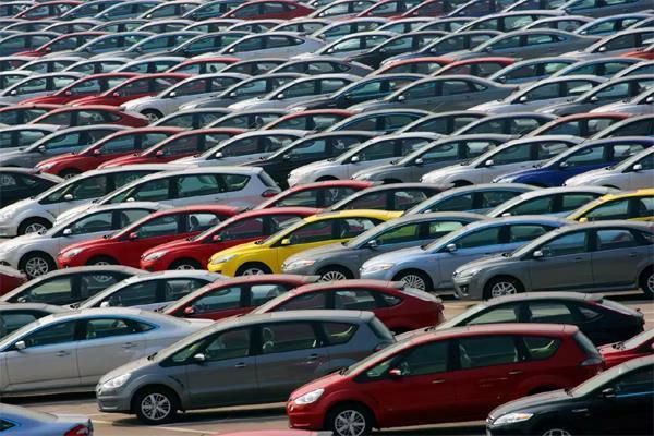 ये हैं देश की 5 सबसे सस्ती कारें, कम कीमत के साथ देती है Best माइलेज