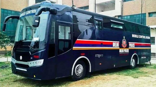 दिल्ली पुलिस की 3.7 करोड़ रुपए की बस,आधुनिक उपकरणों सेहोगी लैस