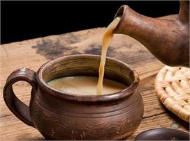 गर्म चाय की प्याली बढ़ा सकती हैं कैंसर का खतरा, 4 मिनट का...