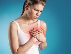 कैंसर ही नहीं, इन 5 कारणों से भी हो सकती हैं Breast Pain