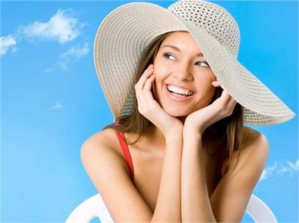 Skin Care: गर्मियों में भी स्किन रहेगी हाइड्रेट और फ्रेश, बस फॉलो...