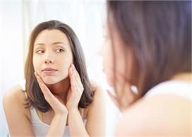 स्किन को डैमेज करती हैं डेली रूटीन के ये 7 Beauty Mistakes