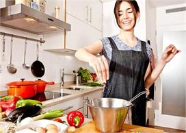 किचन का काम आसान करेंगे ये 10 कमाल के टिप्स