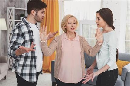 सास से इन 7 चीजों पर बात करने से बहू को होगा बड़ा नुकसान!