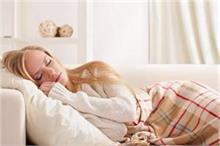 Bedroom Vastu Tips: सेहत बिगाड़ सकता है गलत दिशा में सोना