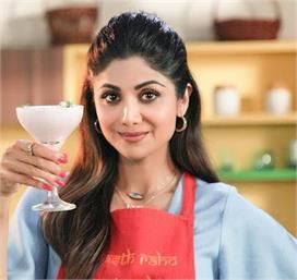 शिल्पा इस ड्रिंक को पीकर रहती हैं फिट, शेयर की रैसिपी