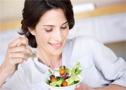 Women Health: मेनोपॉज के बाद औरतों को डाइट में जरूर खानी चाहिए यह 1...