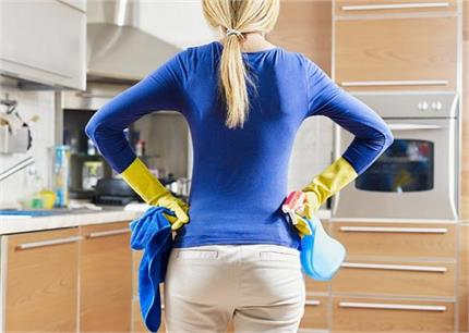किचन की 7 सबसे गंदी चीजें, जिन्हें महिलाएं कर देती हैं अनदेखा