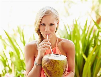 Health & Beauty: नारियल पानी पीने से ही मिलेंगे ये 12 फायदे