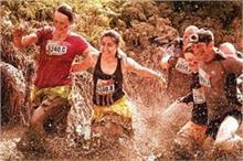 यहां Mud Race लगाने दूर-दूर से आते हैं लोग, दलदली मिट्टी...