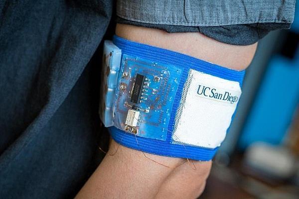 वैज्ञानिकों ने बनाया खास बैंड, एक जैसा बनाए रखेगा शरीर का तापमान