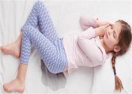 अगर बच्चा करता है बिस्तर गीला तो ऐसे छुड़ाएं उसकी यह आदत