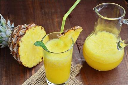इनगर्मियों ट्राई करें खट्टा मीठा Pineapple Lemonade Drink