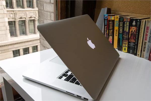 एप्पल को सता रहा है MacBook Pro की बैटरी फटने का डर,  कंपनी ने वापस मंगवाए लैपटॉप