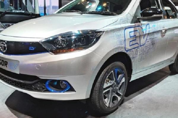 टाटा की पहली इलेक्ट्रिक कार Tigor EV हुई लॉन्च, सिंगल चार्ज में चलेगी 142 Km
